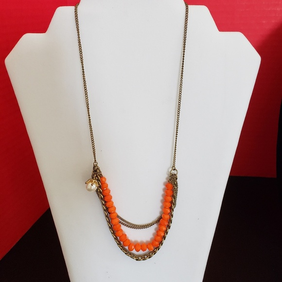 Jewelry - Necklace costume jewelry